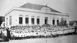 Grupo Escolar Barão de Antonina em 1917.