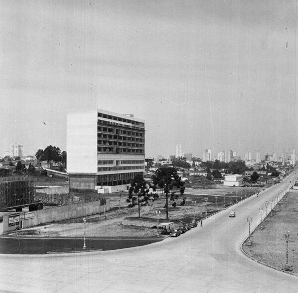 Construção do Centro Cívico, em Curitiba - década de 1950