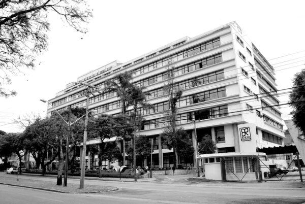 Edifício Oswaldo Lacerda de Pacheco, em Curitiba - 2009.