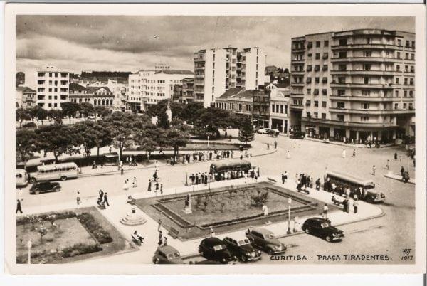 Cartão postal que mostra o Edifício Nossa Senhora da Luz -década de 1940.