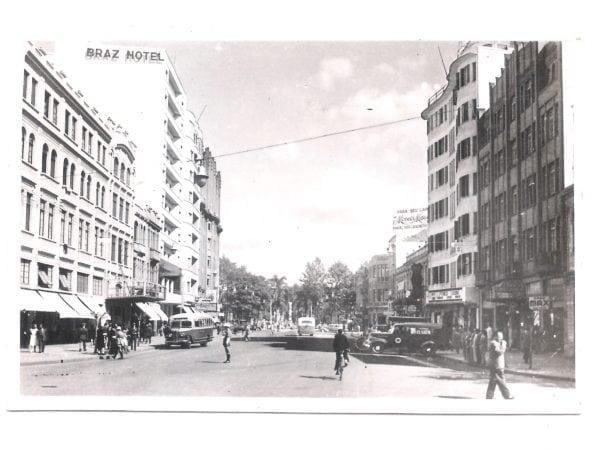 Avenida Luiz Xavier na década de 1940, à direita o Edifício Eloisa com sua fachada curva.
