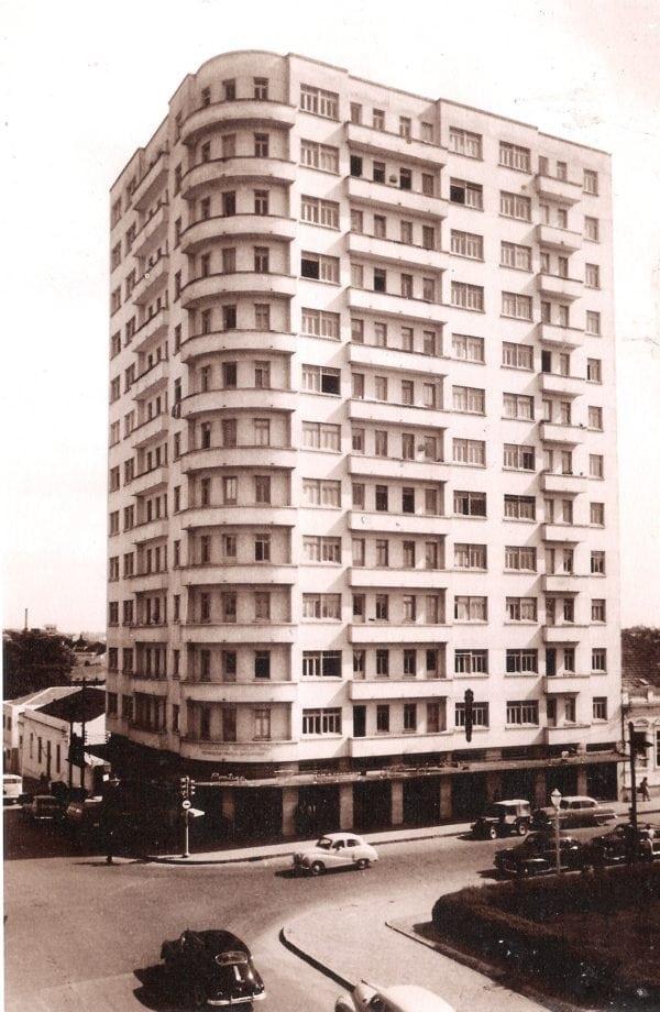 Edifício Marumby na década de 1960.