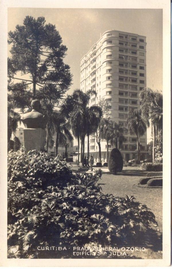 Cartão postal do Edifício Santa Júlia da década de 1950.