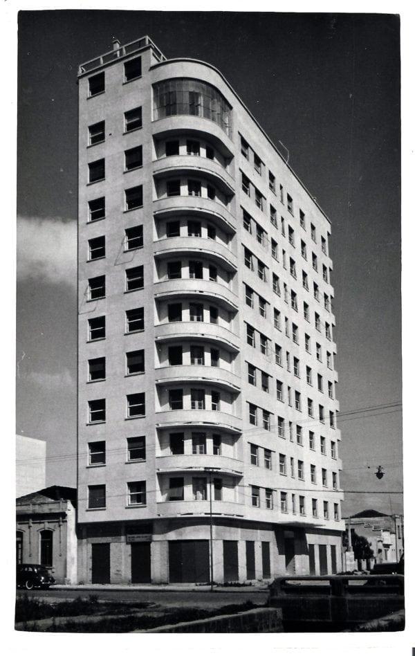 Edifício Tamoio na década de 1950.