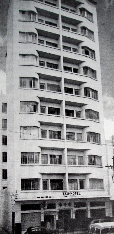 Edifício Bettega, Tau Hotel em 1952.