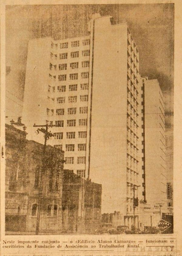 Edifício Affonso Camargo em 1953.