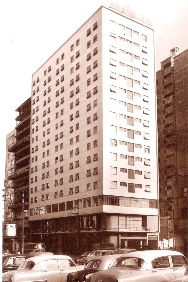 Edifício do Hotel Iguaçu na década de 1950.