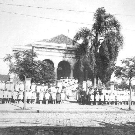 Escola Oliveira Bello na década de 1920.