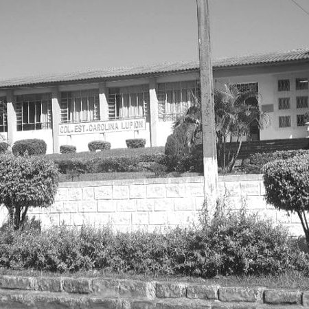 Colégio Estadual D. Carolina Lupion sem data.