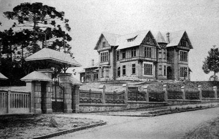 Vila Olga (demolida)fonte: EMPREZA EDITORA BRASIL. A Historia Politica do Estado do Paraná.São Paulo: Capri & Olivero, 1923.